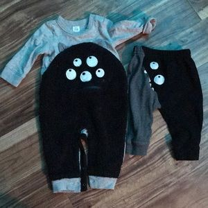 Baby GAP onesie and pants 6-12 Months